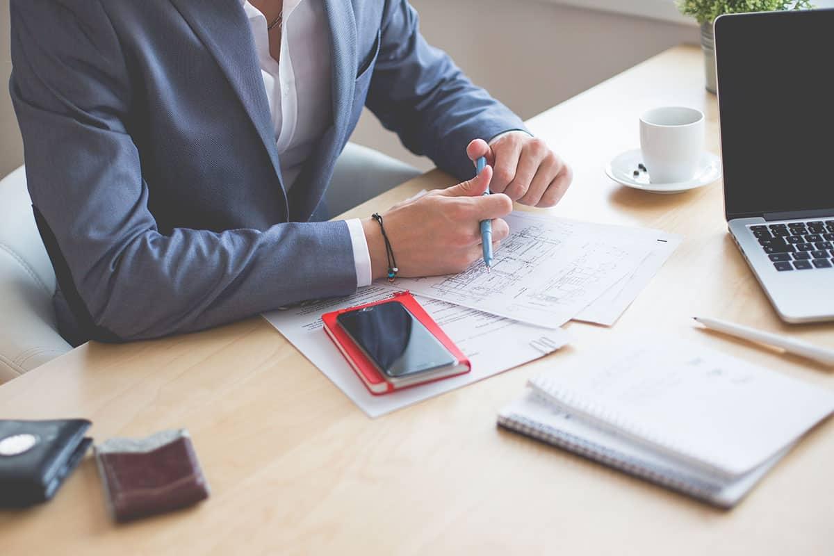 Miten aloittaa rahan säästäminen? Katso 5 vinkkiä aloittelijalle!